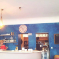 Dad Cafe, Dining
